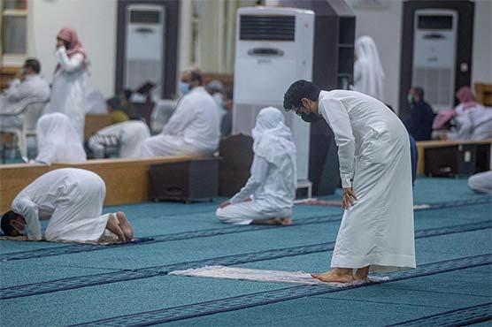 Photo of متحدہ عرب امارات میں 8 ماہ بعد مساجد میں نماز جمعہ کی اجازت