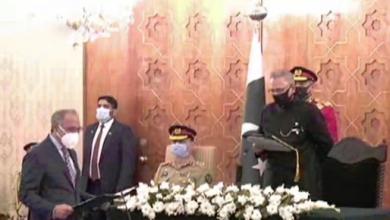 Photo of مشیر خزانہ عبدالحفیظ شیخ نے وفاقی وزیر کے عہدے کا حلف اٹھالیا