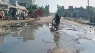 Photo of عارفوالا : انتظایہ کی غفلت کے باعث گٹر کا پانی بہاولنگر روڈ پر جمع ہوگیا