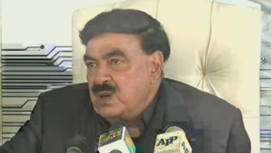 Photo of وفاقی وزیر داخلہ شیخ رشید کا کراچی میں نادرا میگا سینٹر کا دورہ