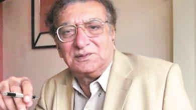 Photo of شہرہ آفاق شاعراحمد فراز کا 90 واں یومِ پیدائش آج منایا جا رہا ہے