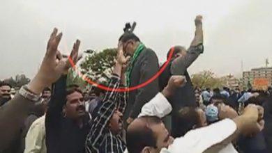 Photo of مسلم لیگ (ن) کے رہنما احسن اقبال کو جوتا پڑ گیا