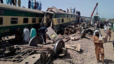 Photo of ڈھرکی ٹرین حادثہ، 9 افسران و ملازمین معطل